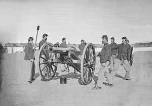 Gun squad at artillery drill during American Civil War