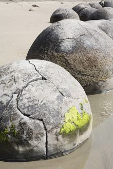 Moeraki Boulders, Koekohe Beach, New Zealand